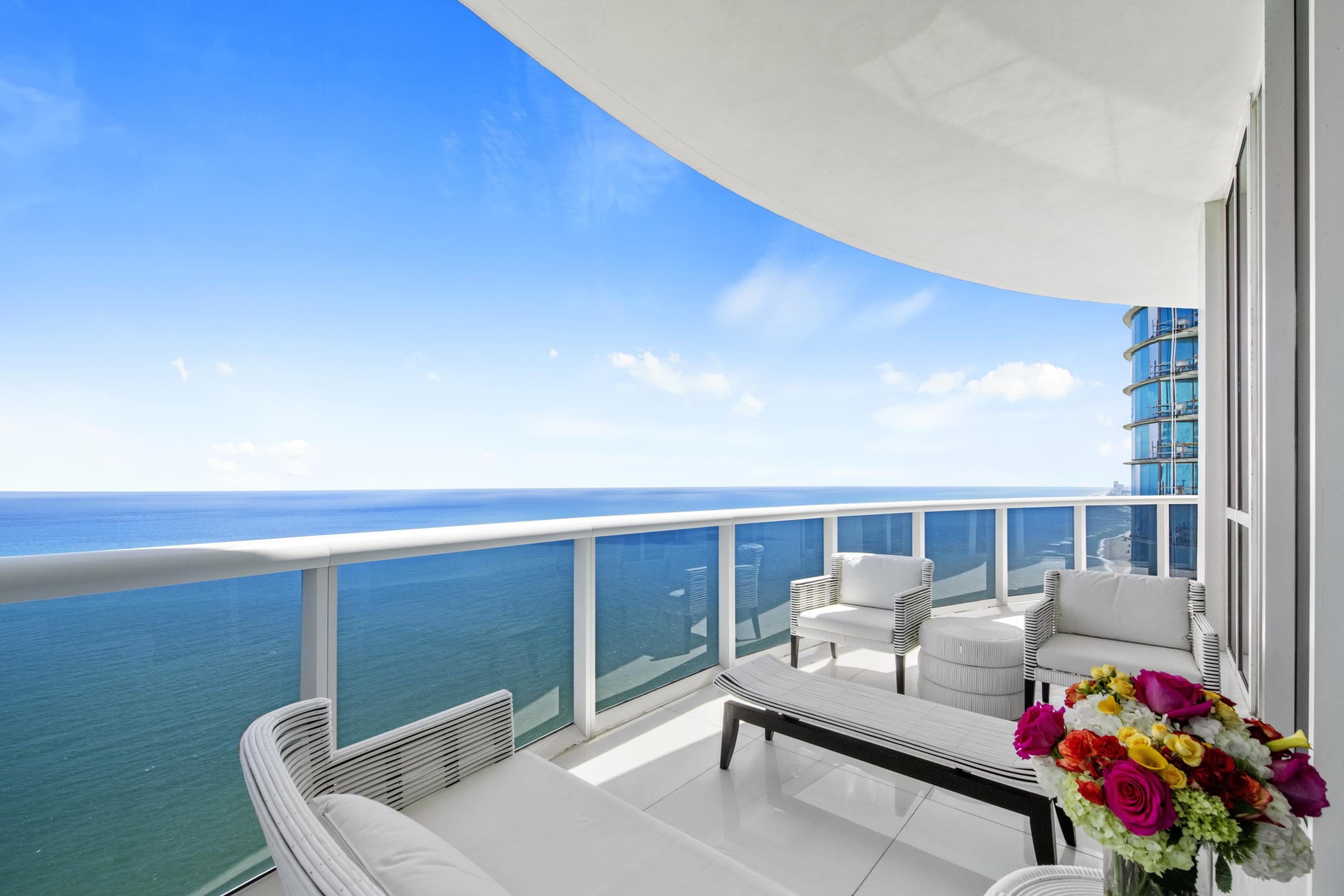 15811 Collins Avenue, Sunny Isles Beach, Florida