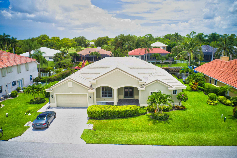 8756 SE Water Oak Place, Tequesta, Florida