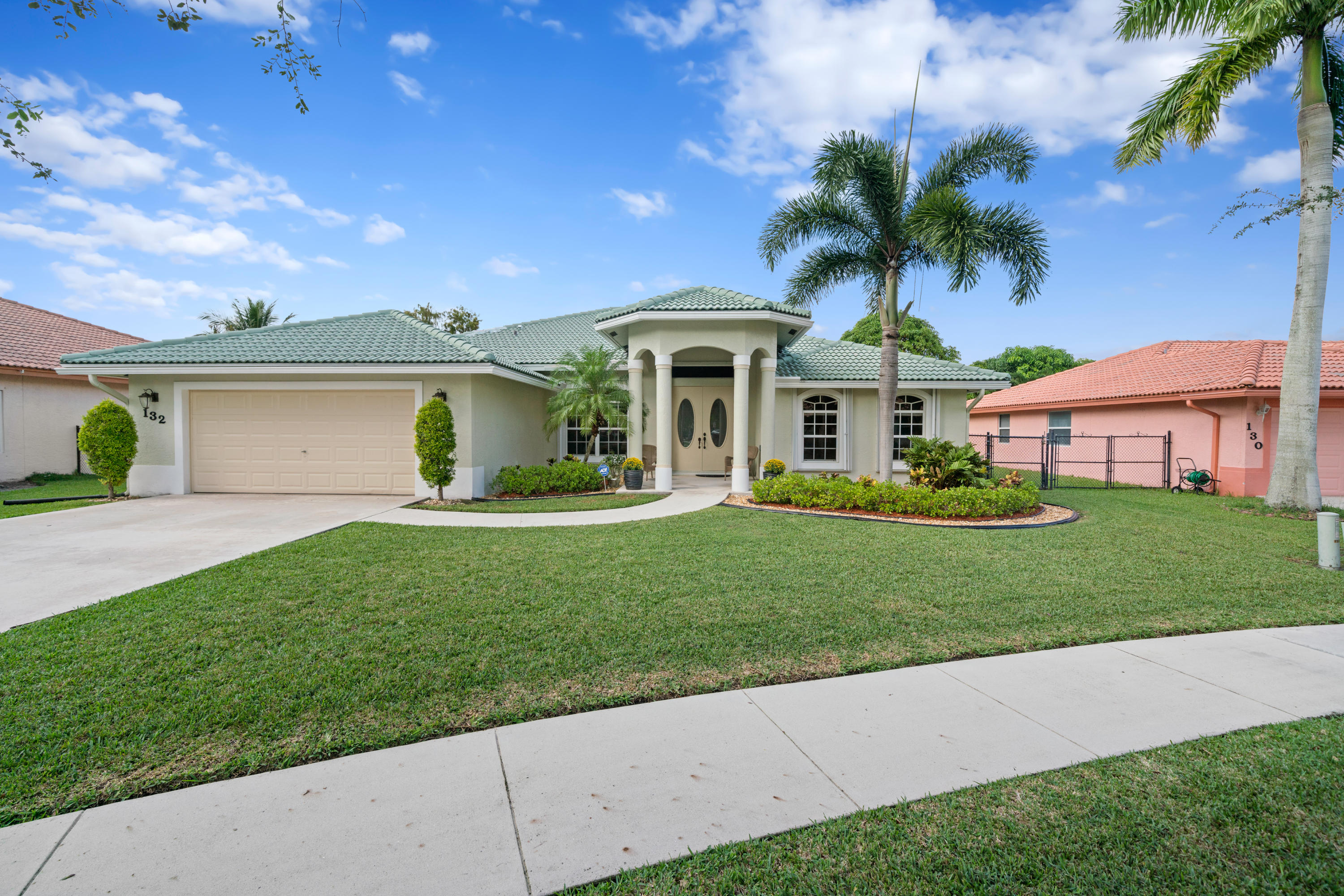 132 Pepper Tree Crescent, Royal Palm Beach, Florida