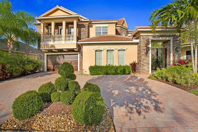 8541 Butler Greenwood Drive, Royal Palm Beach, Florida