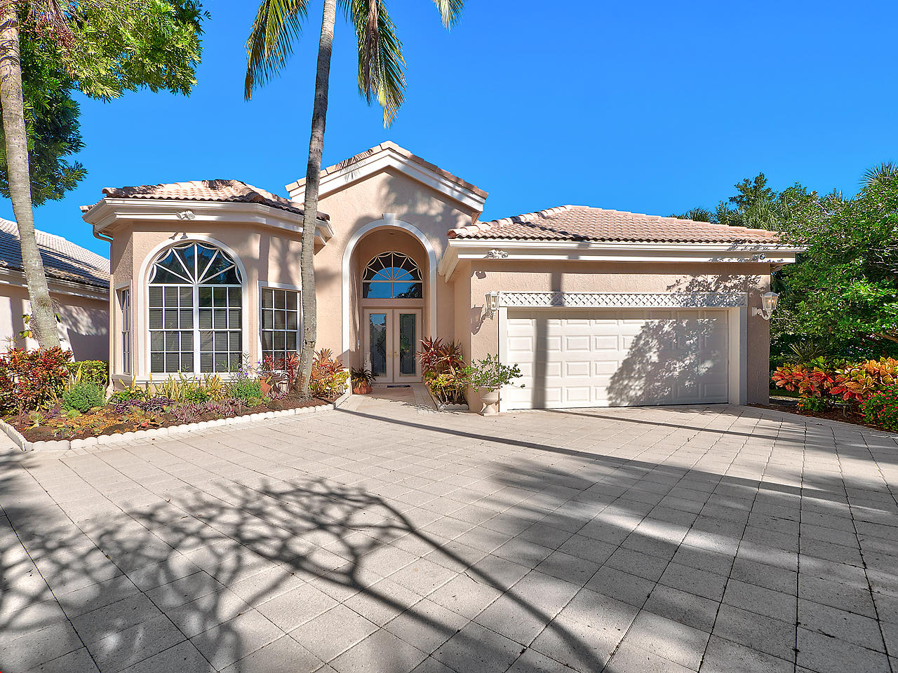 102 Windward Drive, Palm Beach Gardens in Palm Beach County, FL 33418 Home for Sale