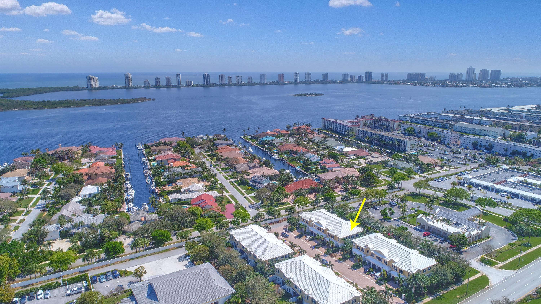 214 Mariner Court, North Palm Beach, Florida