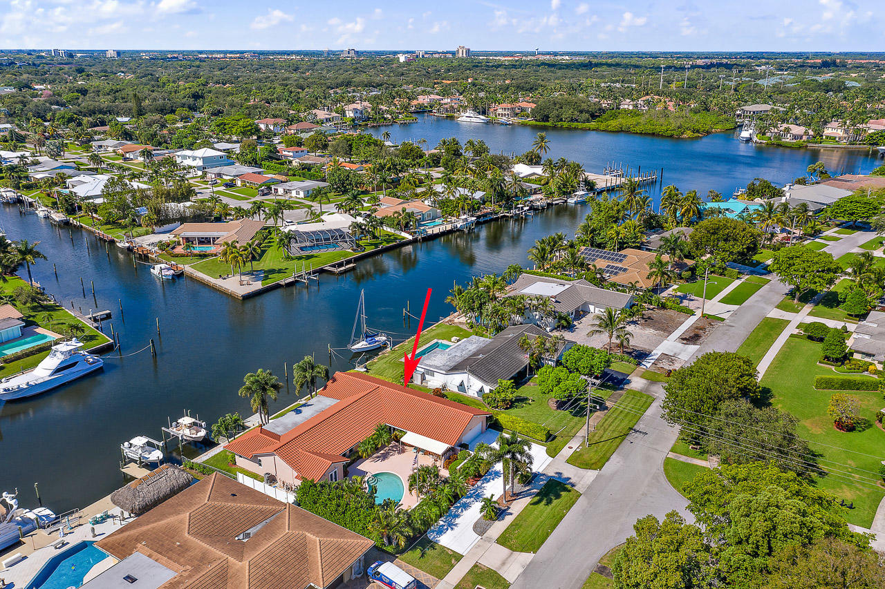 913 Country Club Drive, North Palm Beach in Palm Beach County, FL 33408 Home for Sale