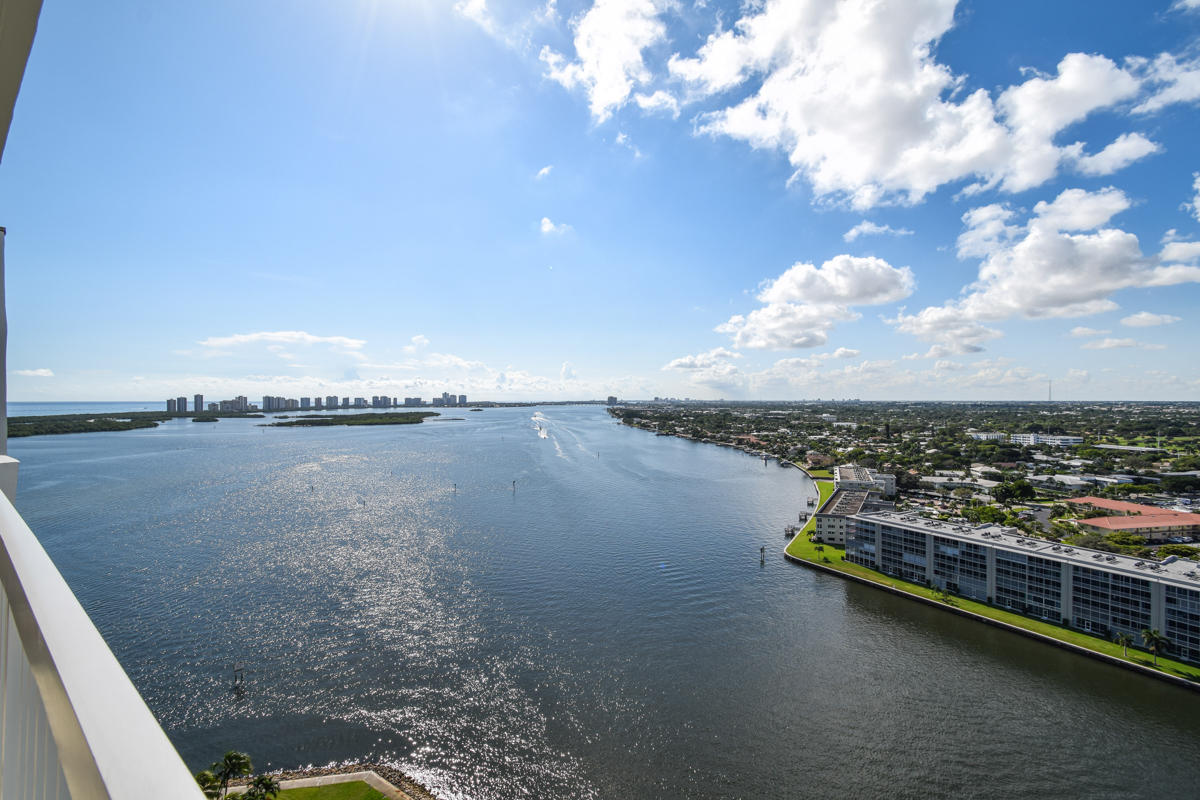 115 Lakeshore Drive, North Palm Beach, Florida
