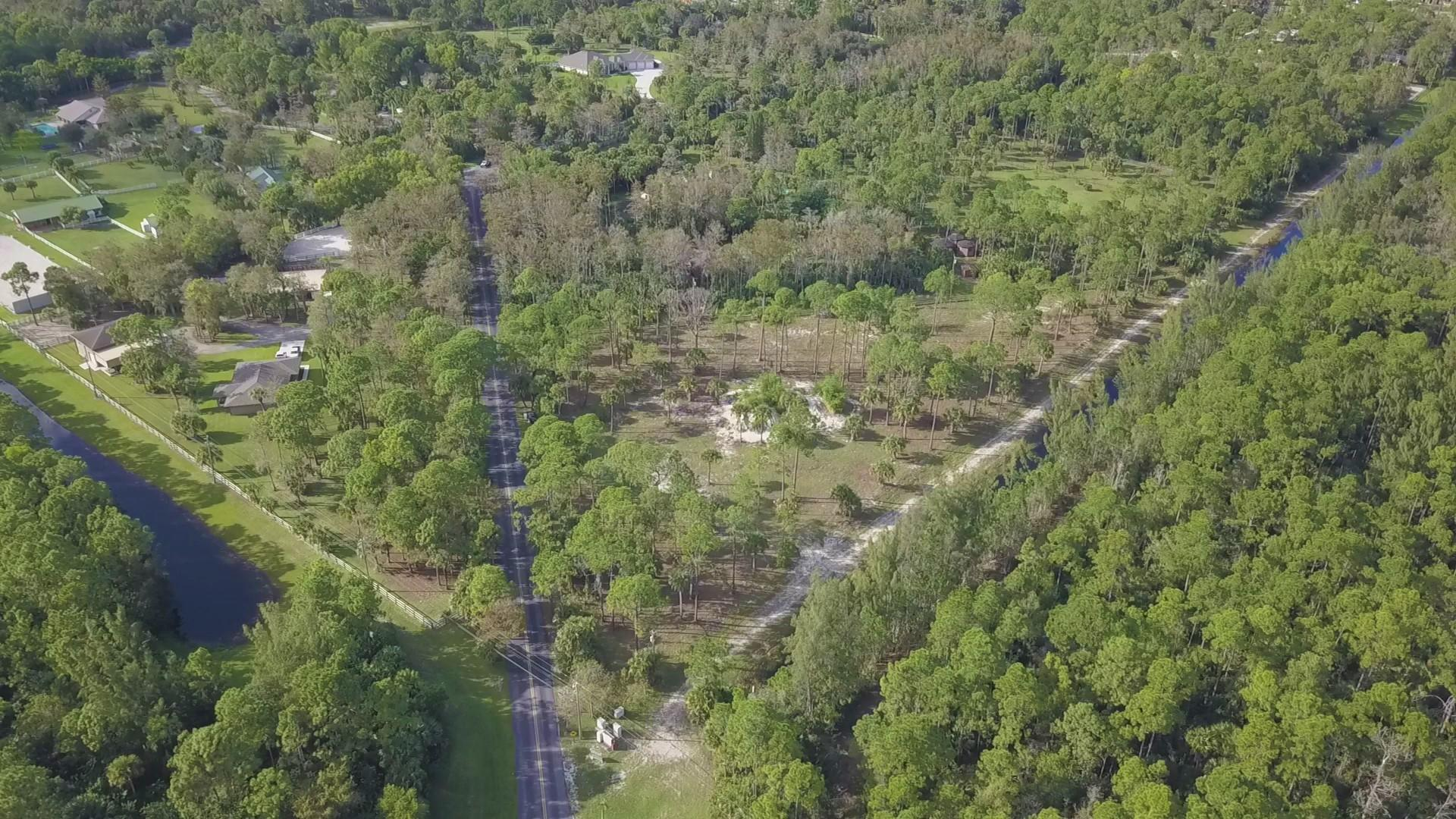 2070 Deer Run Boulevard, Loxahatchee in Palm Beach County, FL 33470 Home for Sale