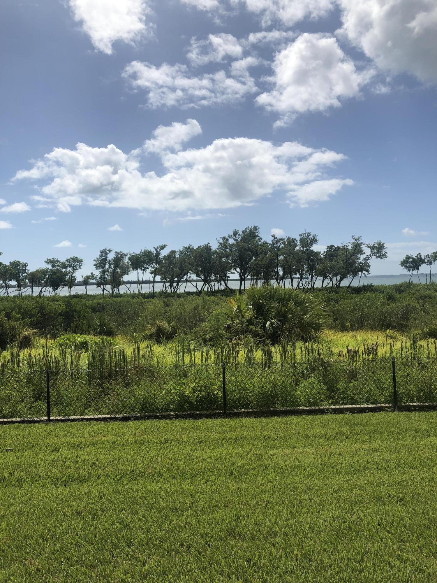 25 W Harbour Isle Drive, Fort Pierce, FL 34949
