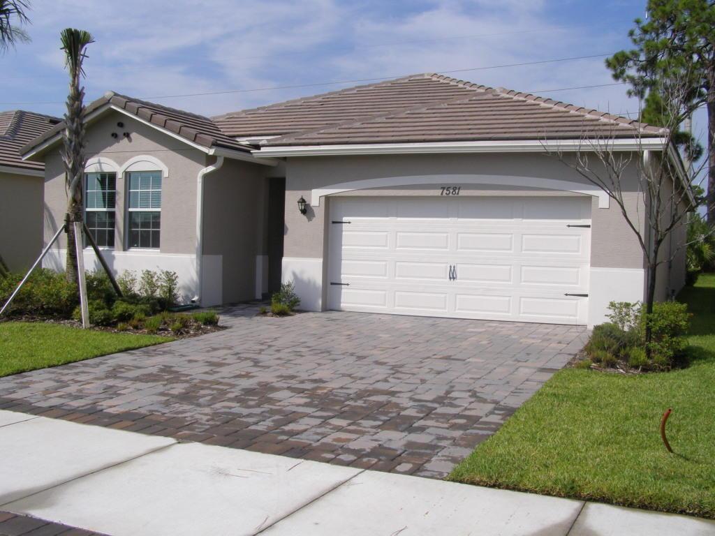 7581 Sw Harbor Cove Drive, Stuart, FL 34997