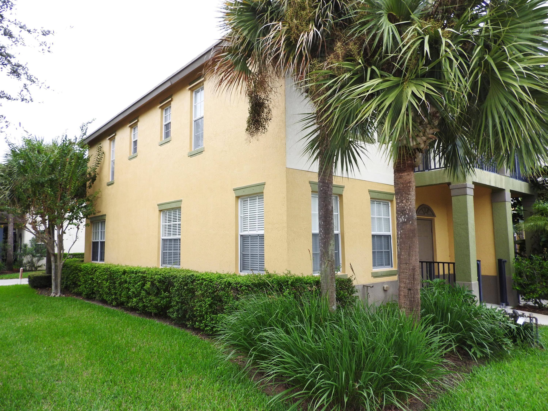 1996 Se Avon Park Drive, Port Saint Lucie, FL 34952