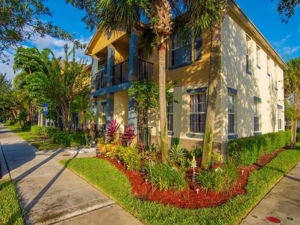2125 Se Glen Ridge Drive, Port Saint Lucie, FL 34952