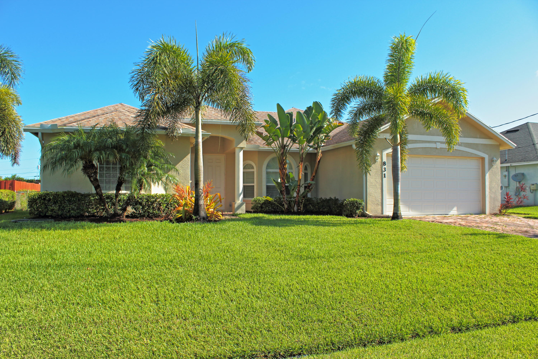 831 Sw Hamberland Avenue, Port Saint Lucie, FL 34953