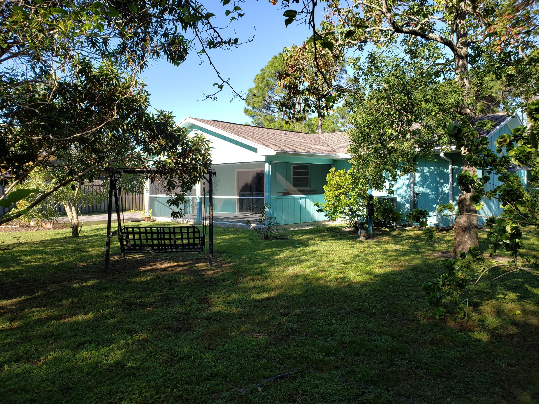 430 Se Crosspoint Drive, Port Saint Lucie, FL 34983