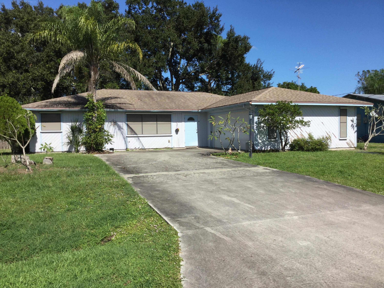 261 Se Fallon Drive, Port Saint Lucie, FL 34983