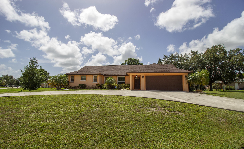 226 Se Verada Avenue, Port Saint Lucie, FL 34983