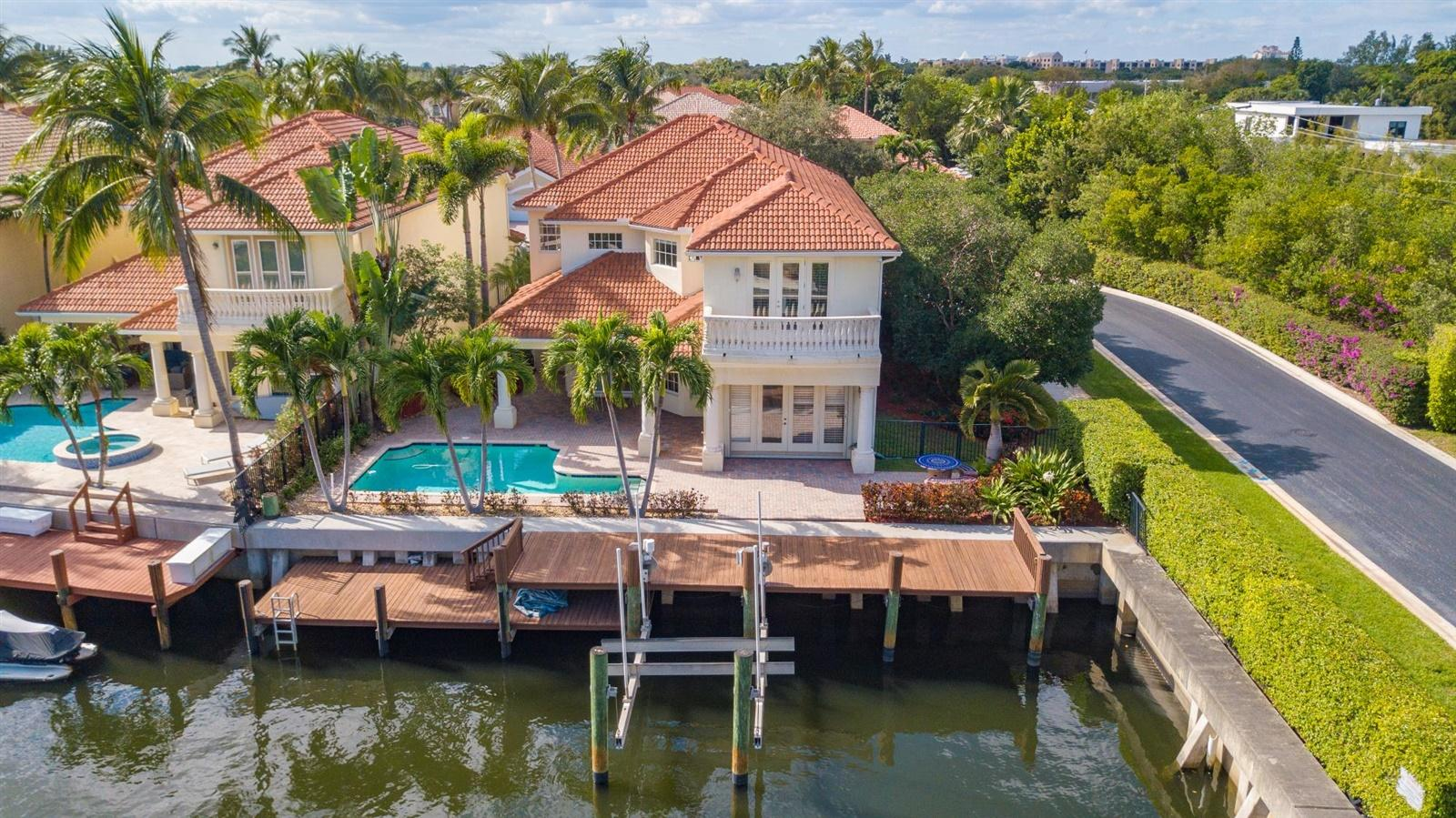 726 Sandy Point Lane, North Palm Beach, Florida