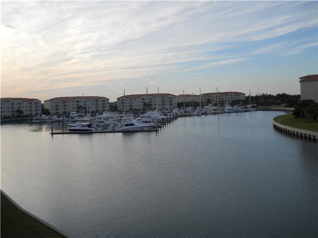 18 W Harbour Isle Drive, Fort Pierce, FL 34949