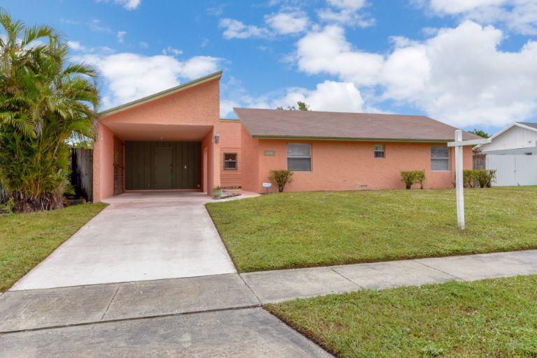 10389 Carmen Lane, Royal Palm Beach, Florida