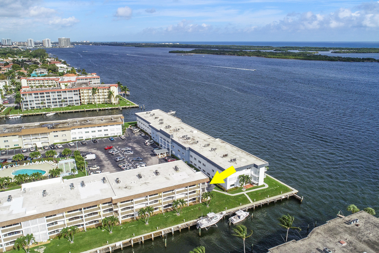 110 Shore Court, North Palm Beach, Florida