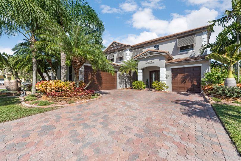 424 Saint Emma Drive, Royal Palm Beach, Florida