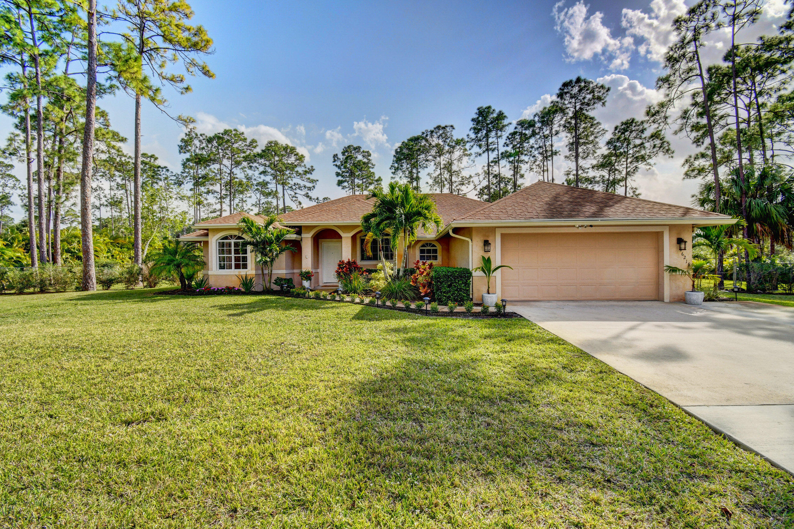 16216 89th Place N, Loxahatchee in Palm Beach County, FL 33470 Home for Sale