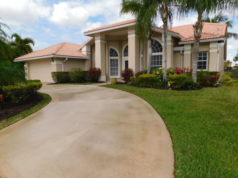 126 Fernwood Crescent, Royal Palm Beach, Florida