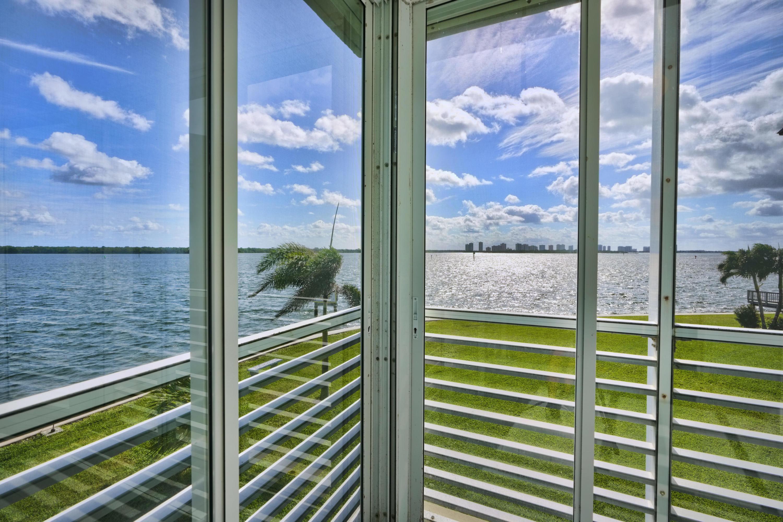 44 Yacht Club Drive, North Palm Beach, Florida