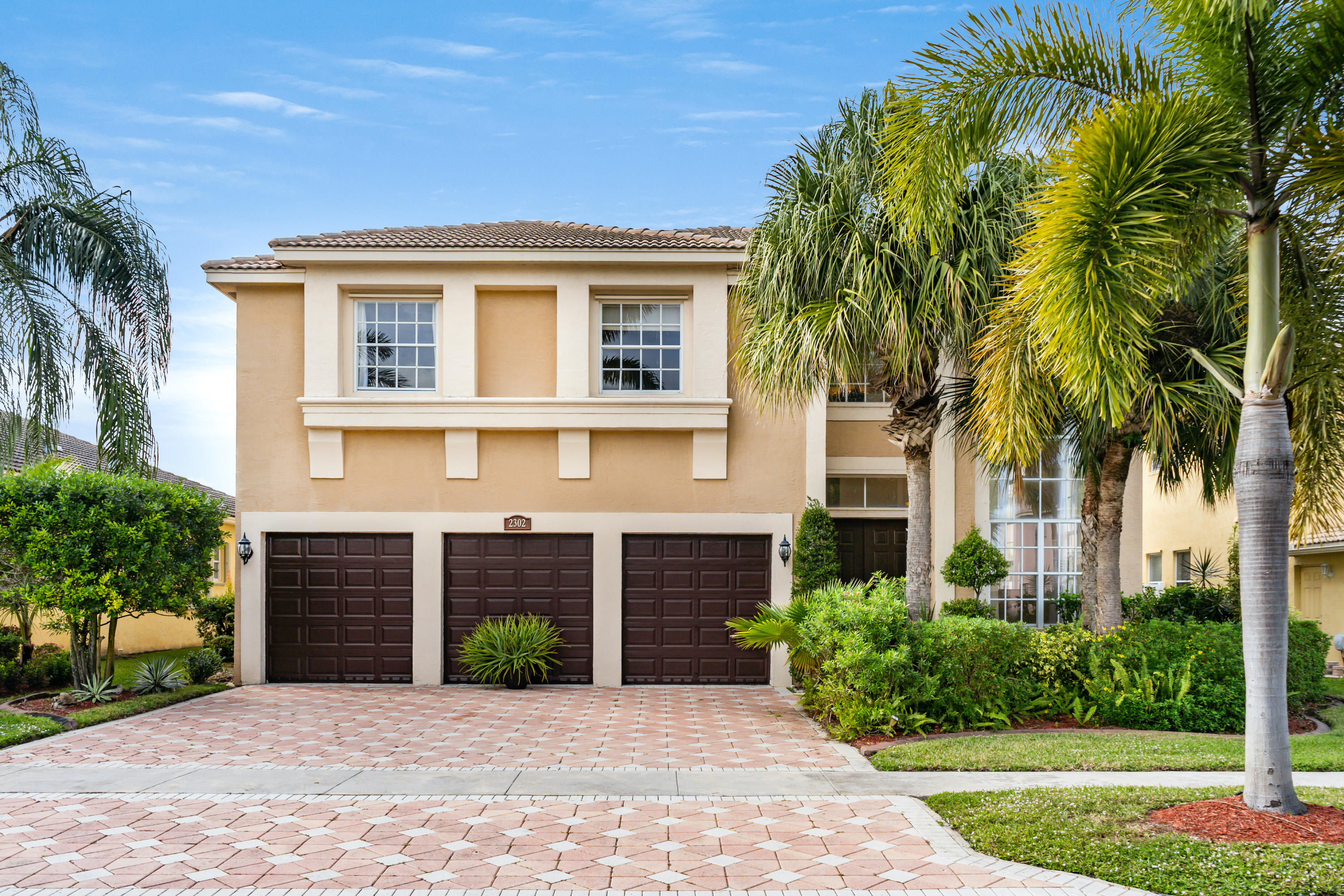 2302 Ridgewood Circle, Royal Palm Beach, Florida