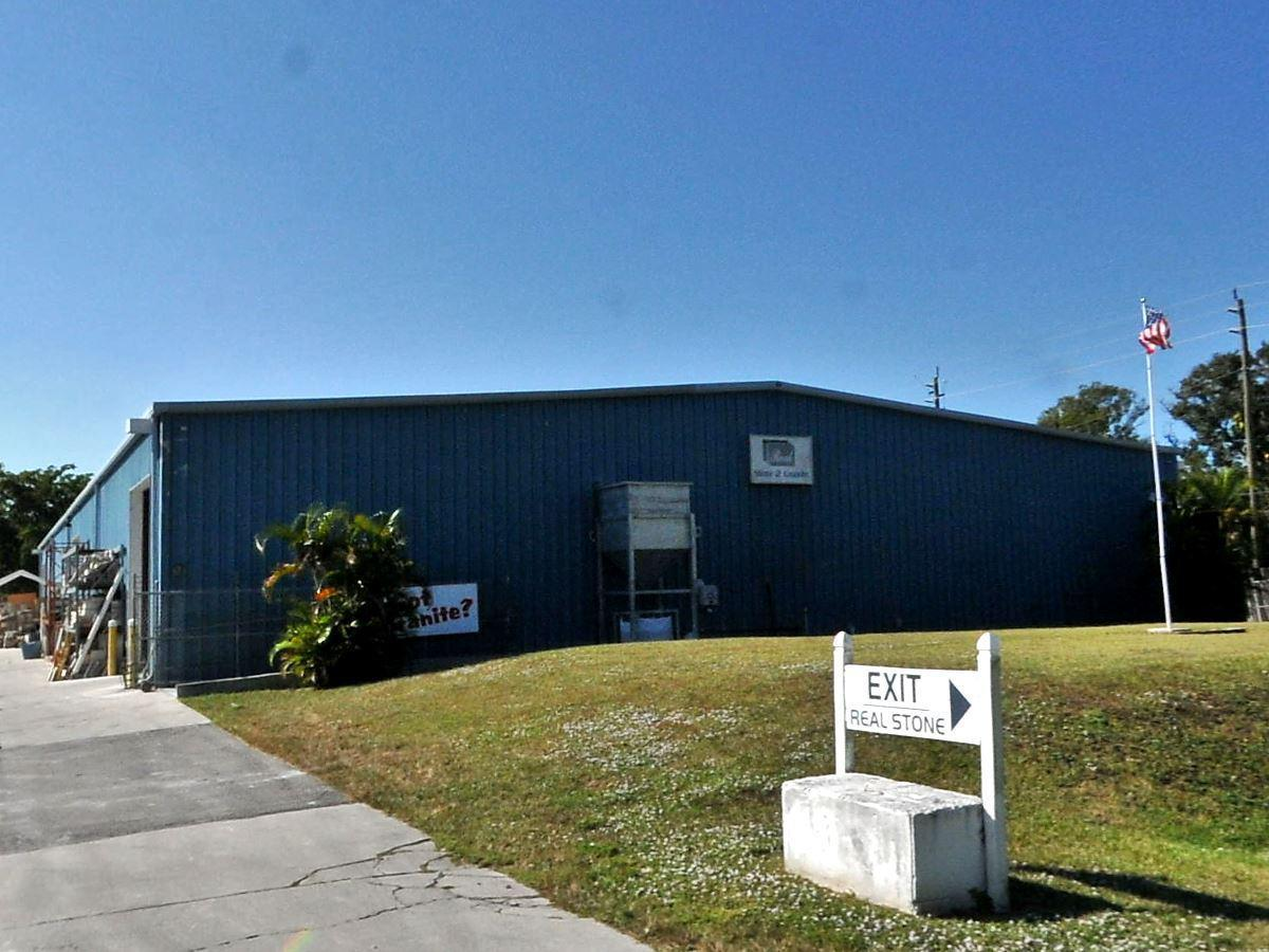 427 S Market Avenue, Fort Pierce, FL 34982