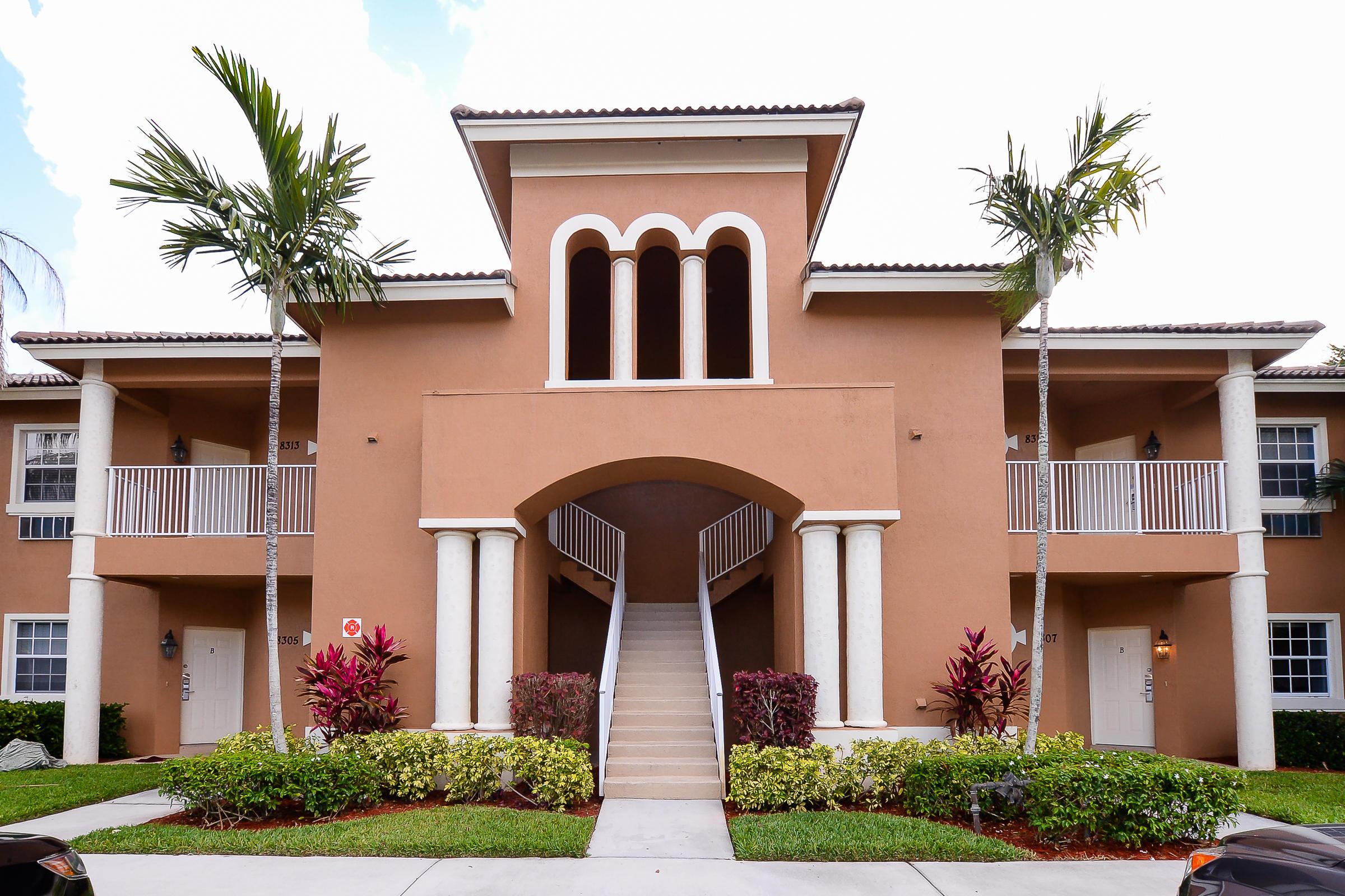 8313 Mulligan Circle, Port Saint Lucie, FL 34986
