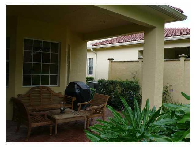 10058 Sw Canossa Way, Port Saint Lucie, FL 34986
