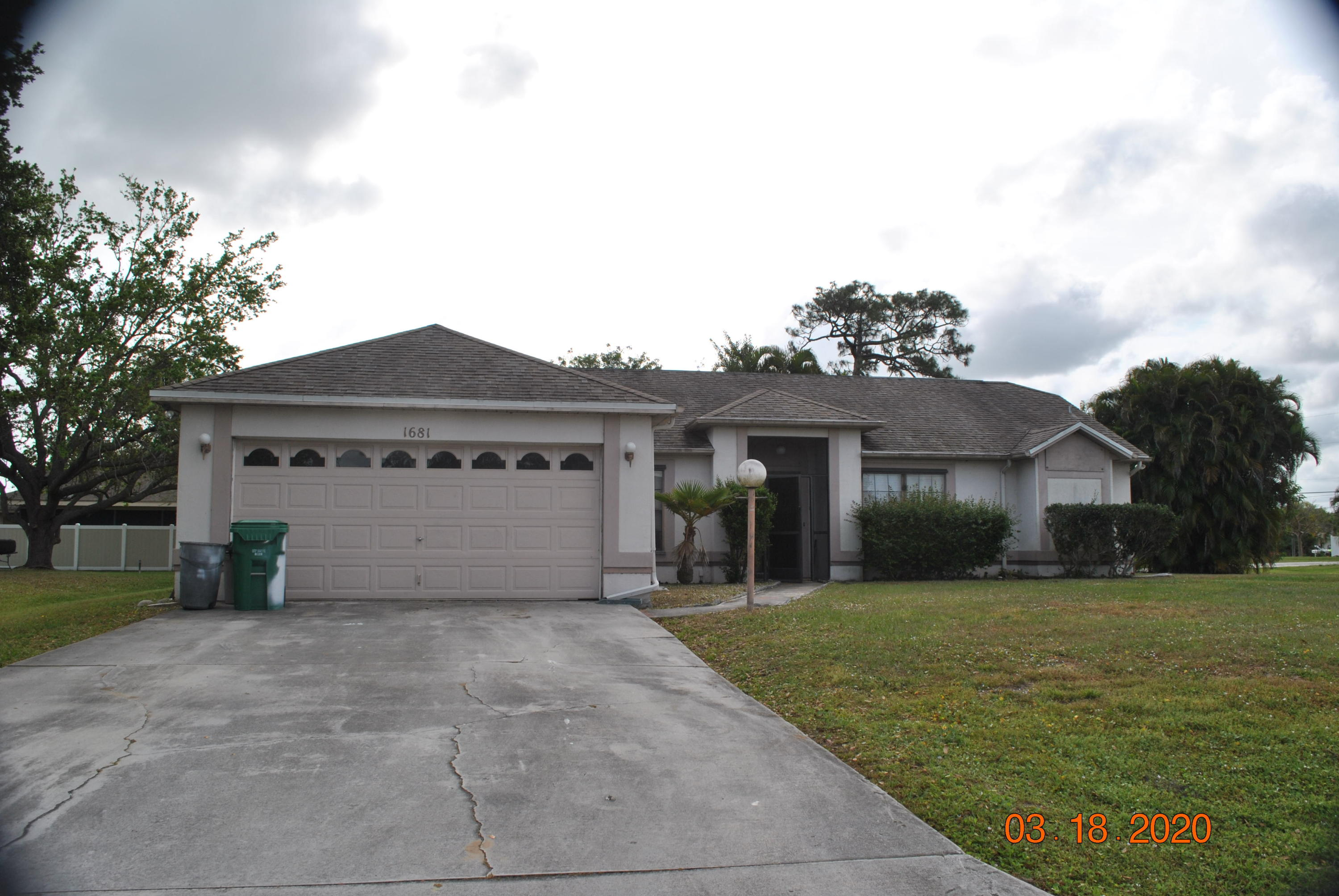 1681 Se Pleasantview Street, Port Saint Lucie, FL 34983