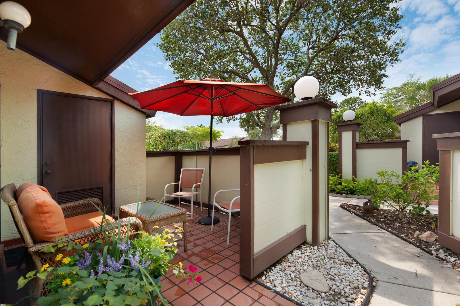 486 Lynbrook Court, Royal Palm Beach, Florida