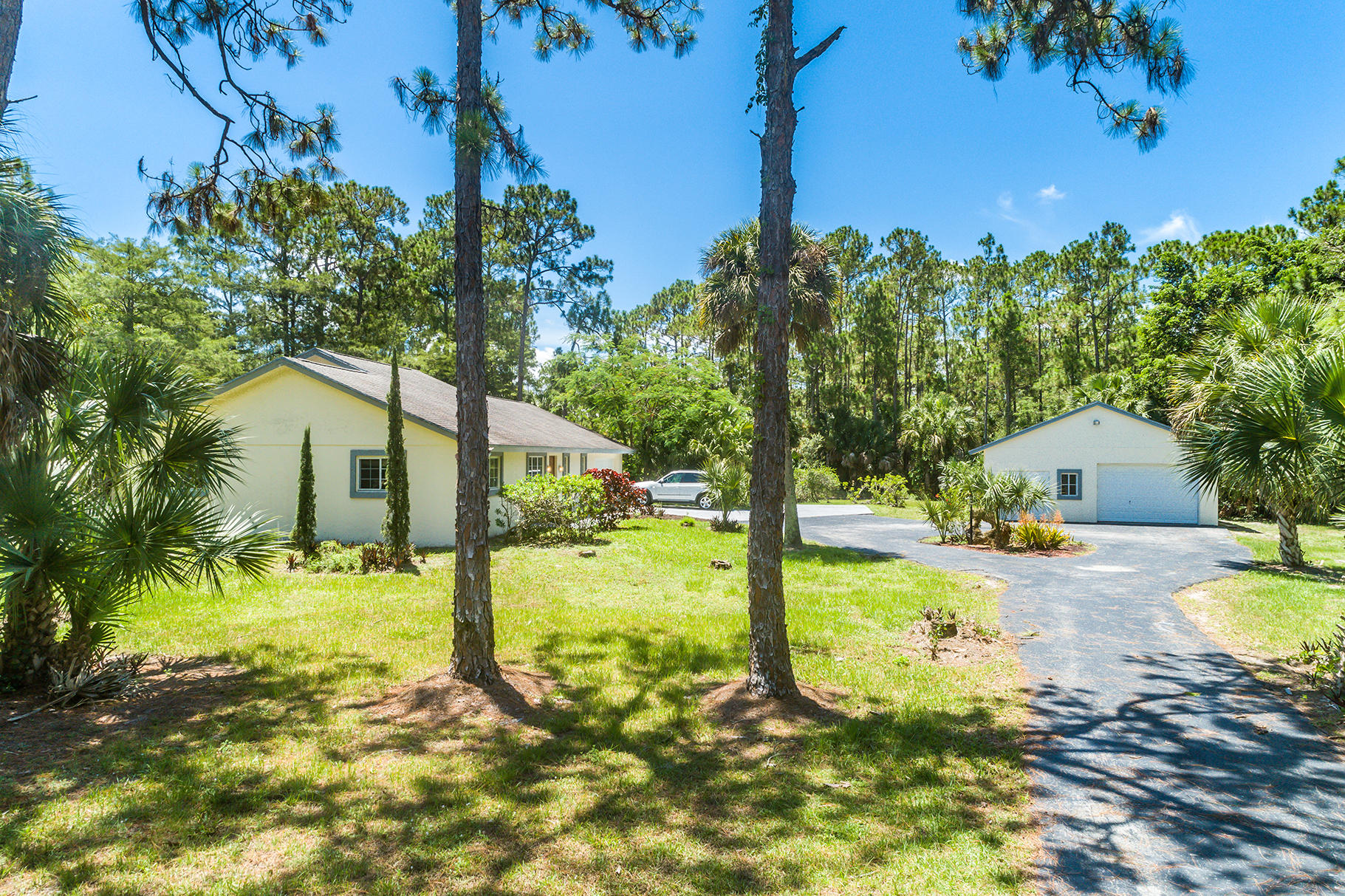 One of Loxahatchee 3 Bedroom Homes for Sale at 2676 Fawn Drive