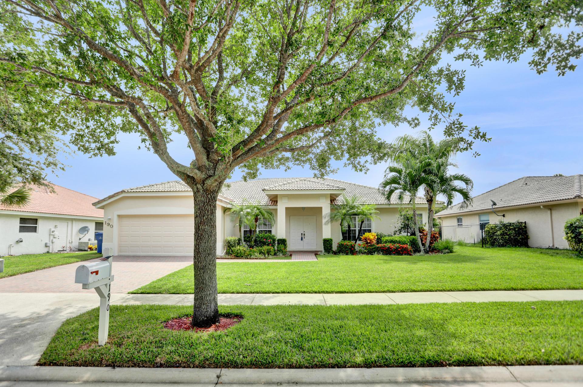 190 Cypress Trace, Royal Palm Beach, Florida