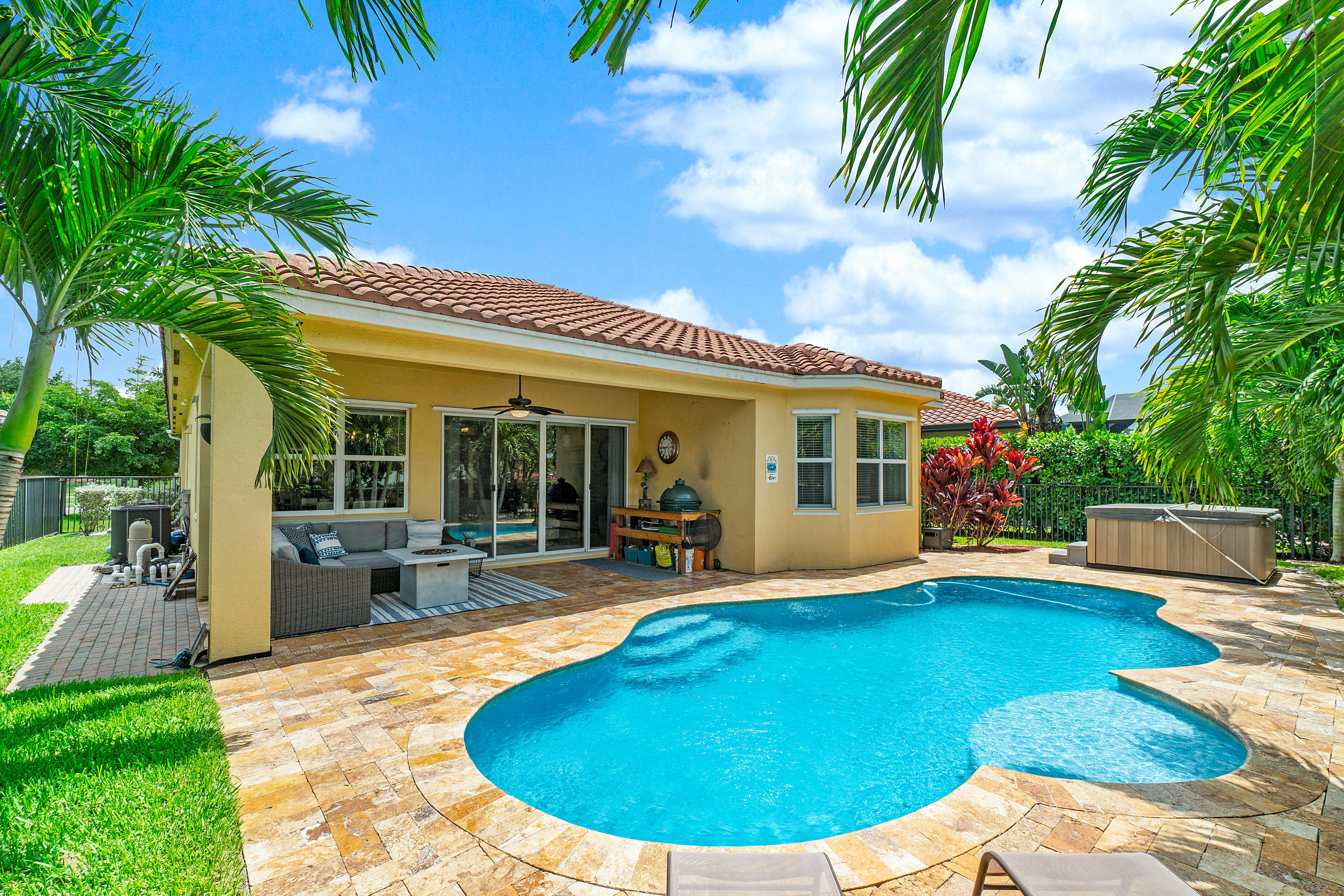 One of Royal Palm Beach 3 Bedroom Homes for Sale at 2841 Bellarosa Circle