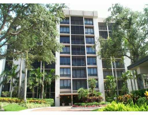 Single Family Home for Sale, ListingId:26779604, location: 7786 Lakeside Boulevard Boca Raton 33434