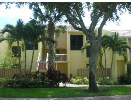 Single Family Home for Sale, ListingId:26779628, location: 3305 Bridgewood Drive Boca Raton 33434