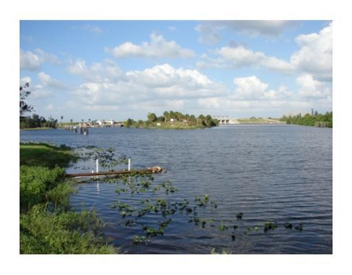 8.32 acres in Moore Haven, Florida