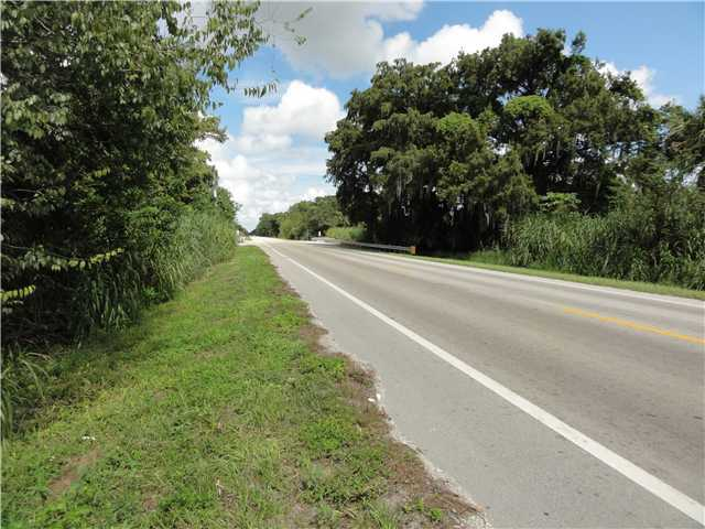 2 acres in Okeechobee, Florida