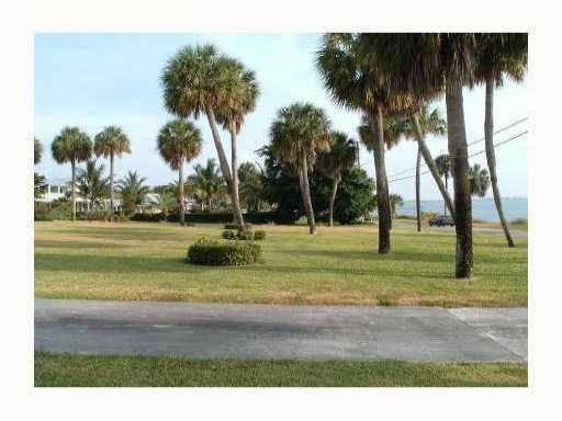 2501 S Indian River Dr, Fort Pierce, FL 34950