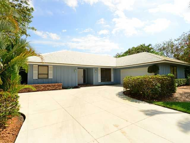 22 Thurston Dr, Palm Beach Gardens, FL 33418