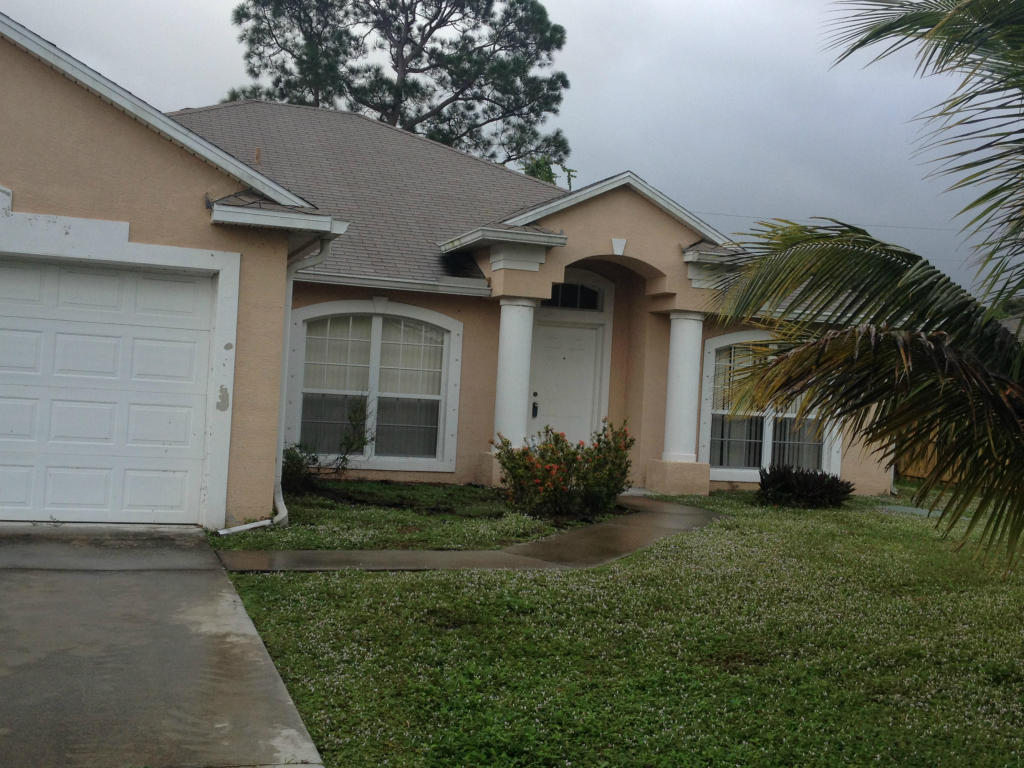 2397 SE Addison St, Port St Lucie, FL 34984