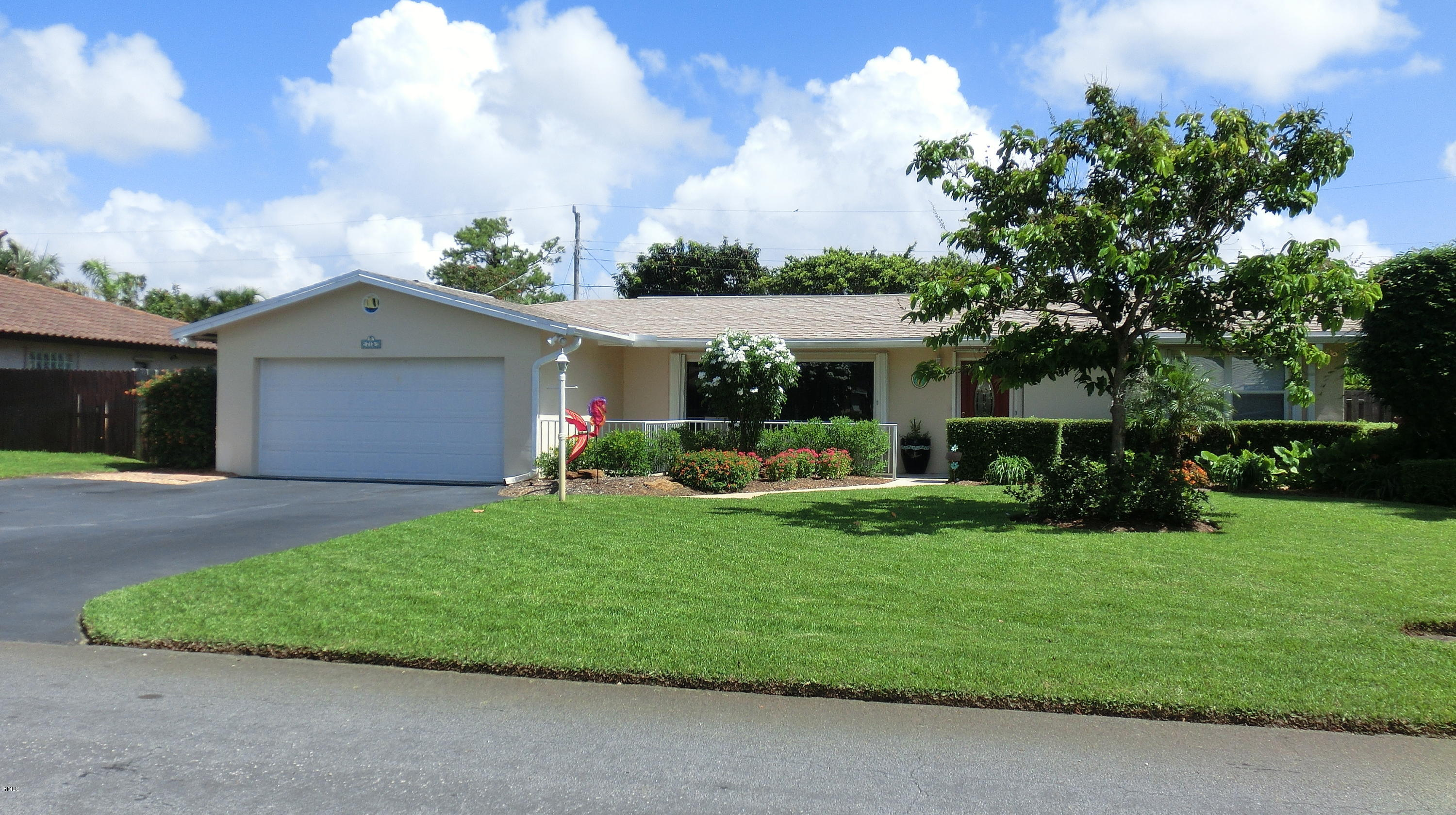 715 Sw 27th Way, Boynton Beach, FL 33435