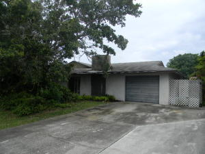 8936 Se Sandy Ln, Hobe Sound, FL 33455