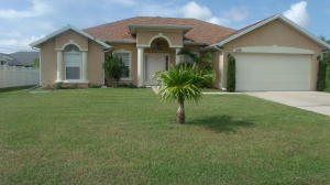 1019 Sw Firestone Ave, Port St Lucie, FL 34953