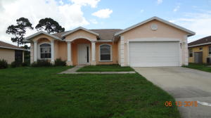 801 SE Evergreen Ter, Port St Lucie, FL 34983