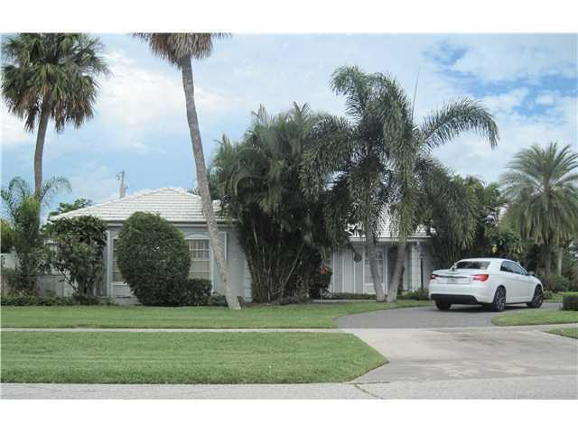 1553 Point Way, North Palm Beach, FL 33408