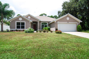 2582 Sw Independence Rd, Port Saint Lucie, FL 34953
