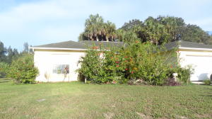 88 Sandalwood Dr, Fort Pierce, FL 34947