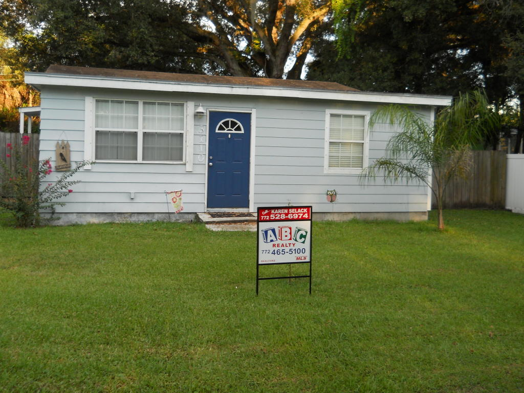 3110 S 21st St, Fort Pierce, FL 34982