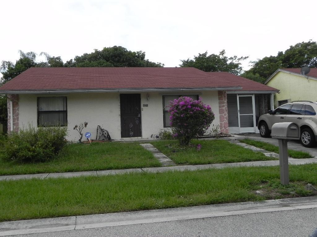 5772 Judd Falls Rd E, Lake Worth, FL 33463